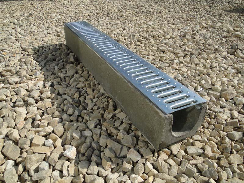бетонный лоток с решеткой