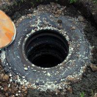 Как делается выгребная яма из покрышек – описание конструкции и технологии ее устройства с фото и видео