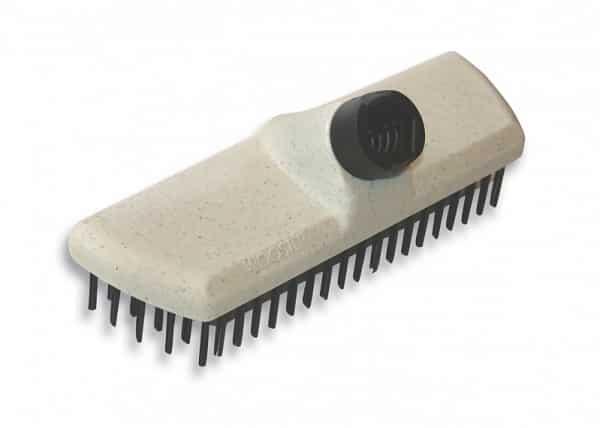 Пример металлической щетки для чистки стенок ямы