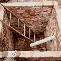 Выгребная яма без дна – устройство, конструктивные особенности