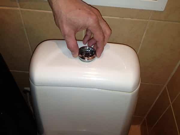 Как разобрать унитаз с кнопкой