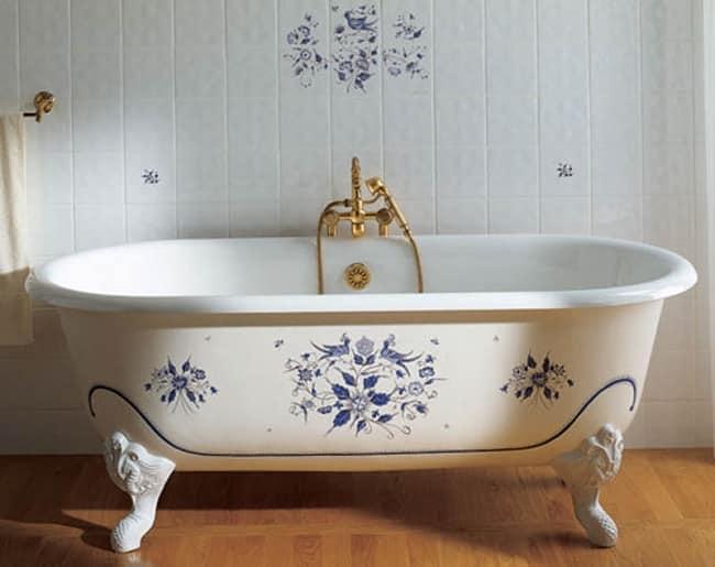 Декоративная чугунная ванна