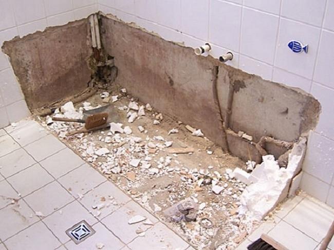 Демонтаж старой ванной