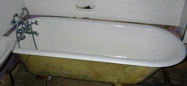 Эмалированная ванна из чугуна