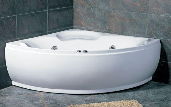 Классическая угловая ванна