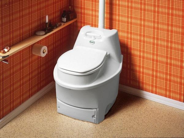 Миниатюрный биологический туалет для дачи