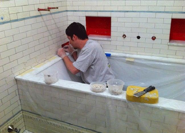 Отделка щели между стеной и ванной