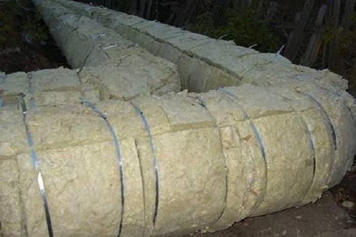 Минеральная вата, закрепленная алюминиевой лентой