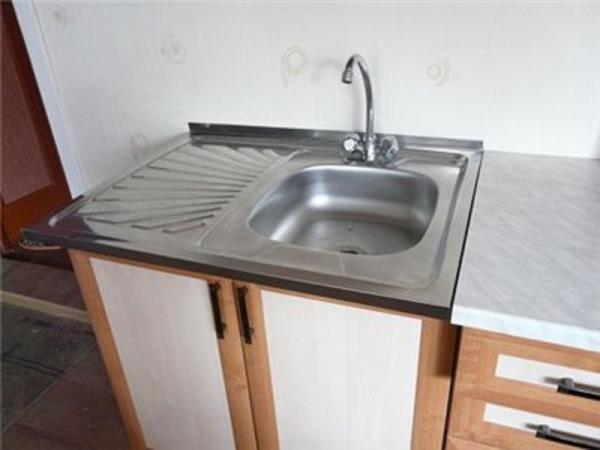 установка раковины на кухне