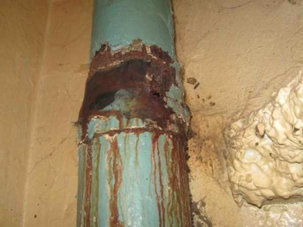 старый канализационный стояк